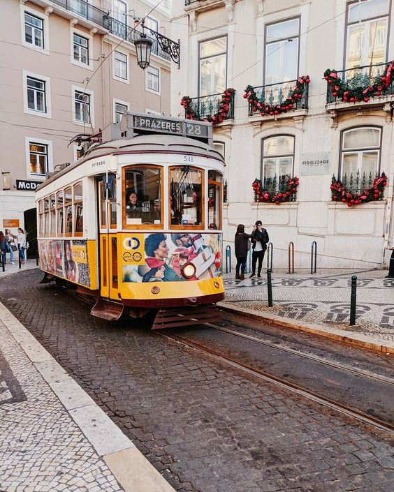 LISBOA X MY TRAVEL DREAMS CARRIS CHIADO