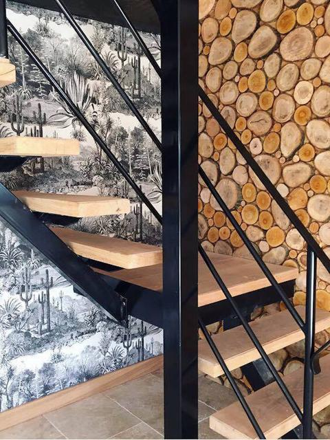 Country-Lodge-Escalier