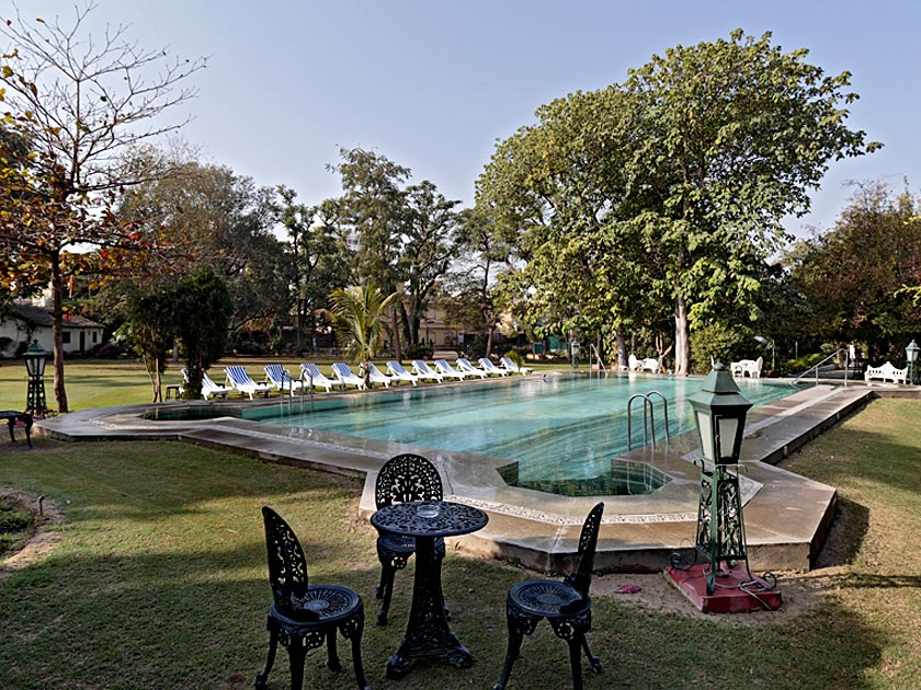 Nairan-Niwas-piscine
