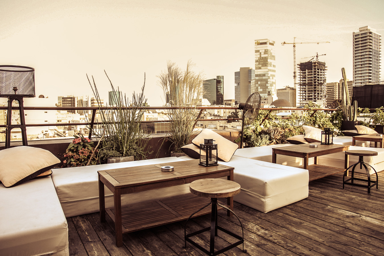 Rooftop_Brown_TLV_Hotel__27__1370988225